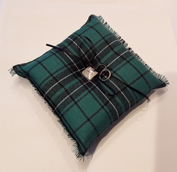 Tartan ring pillow
